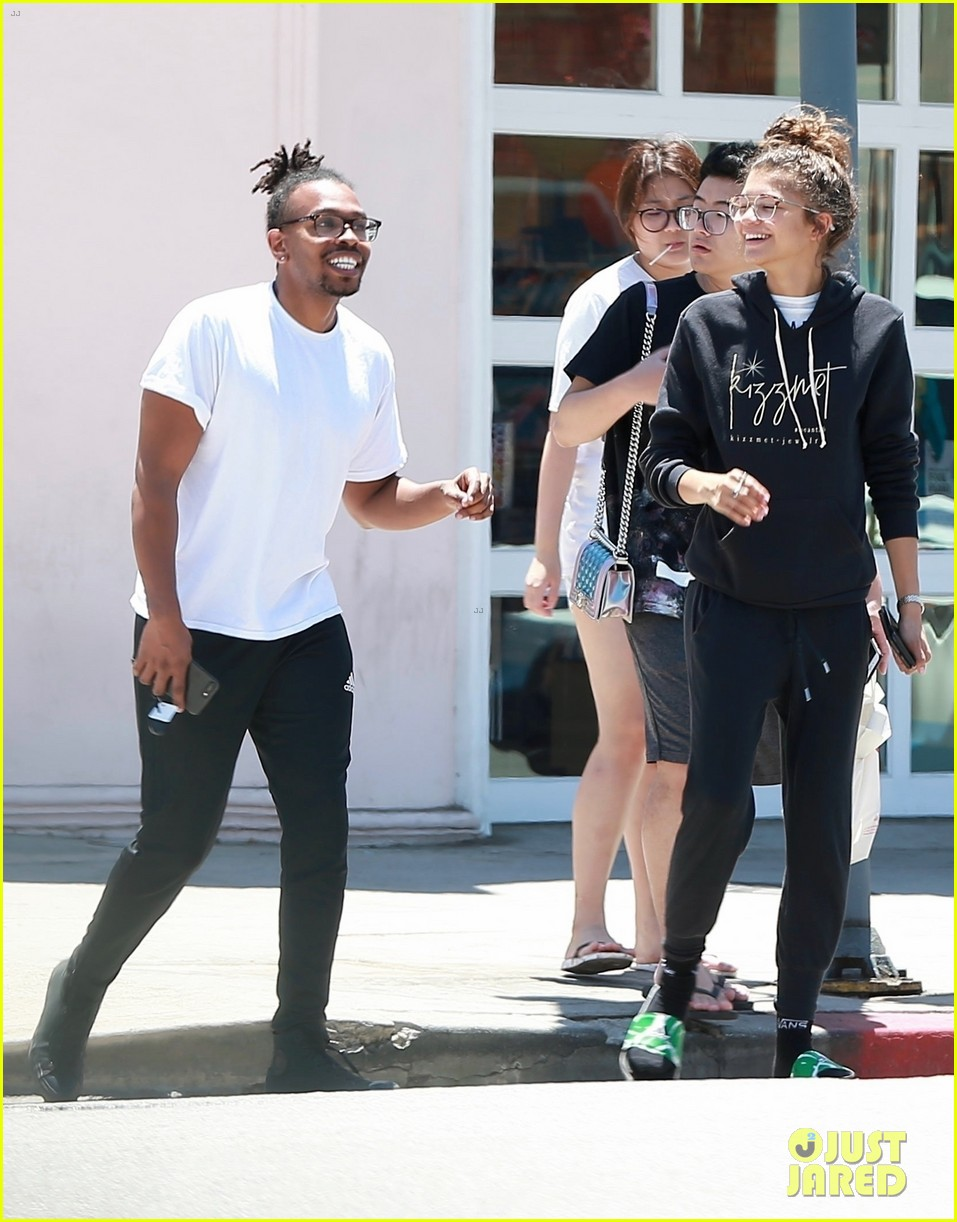 zendaya is all smiles while shopping with her assistant darnell appling 05