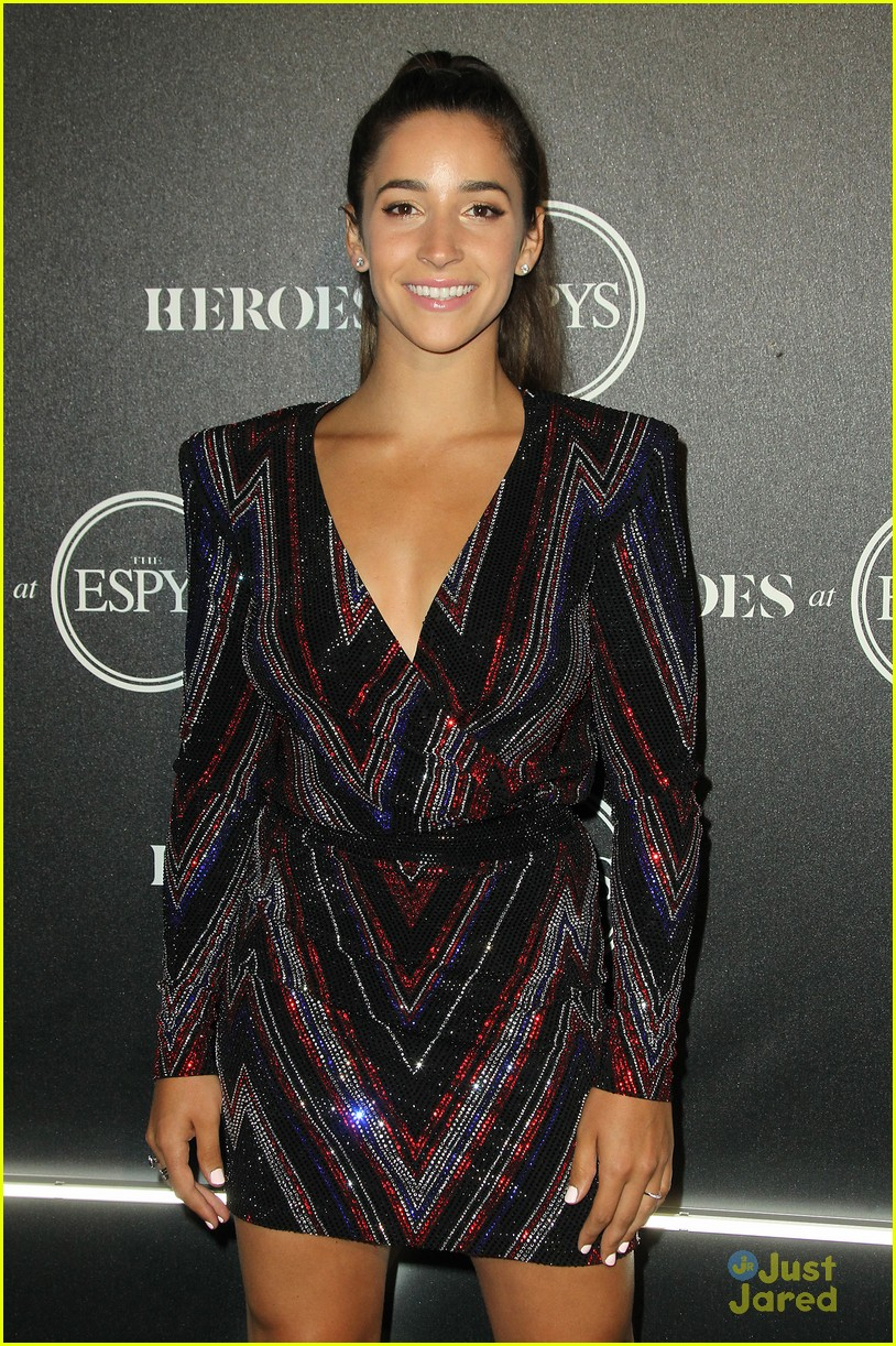 aly raisman victoria arlen sharna burgess heroes espys party 06