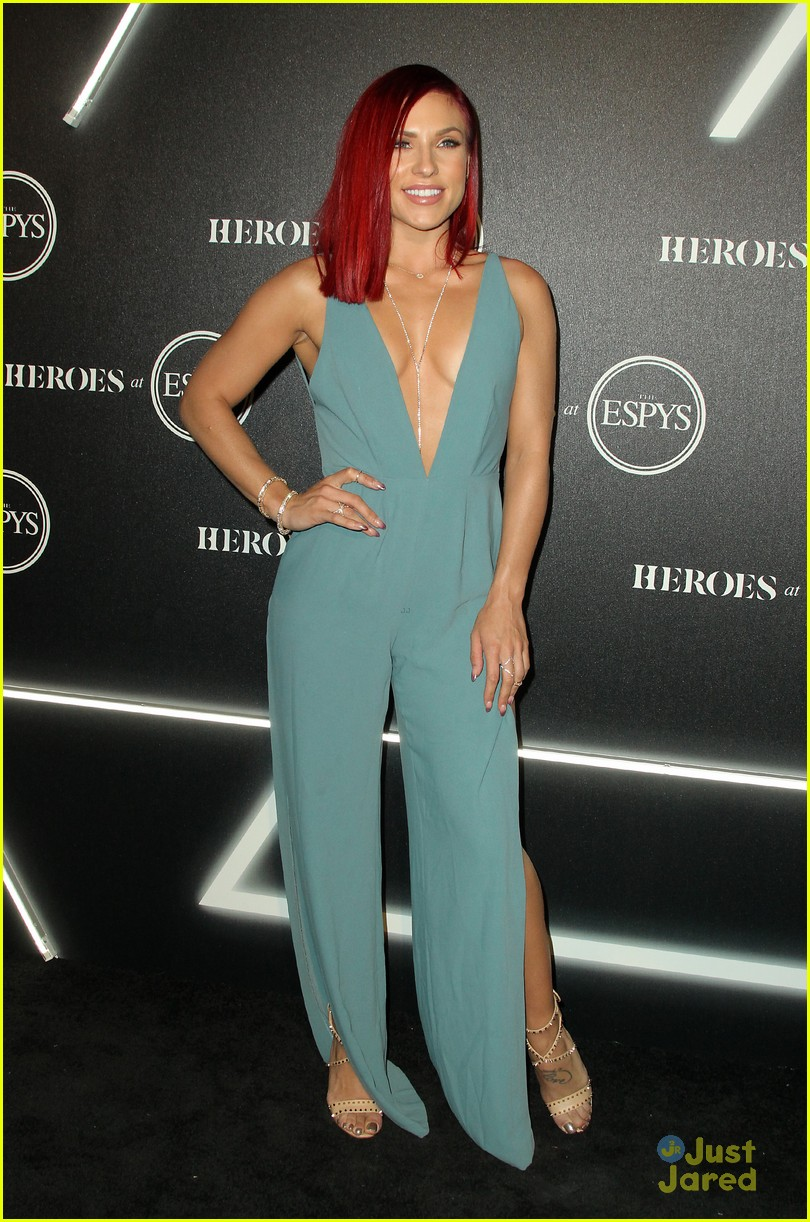 aly raisman victoria arlen sharna burgess heroes espys party 33