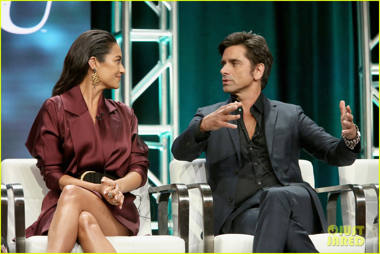 penn badgley shay mitchell tca panel 10