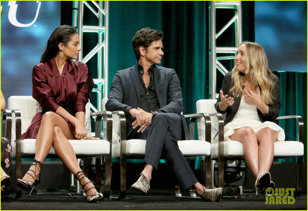 penn badgley shay mitchell tca panel 21