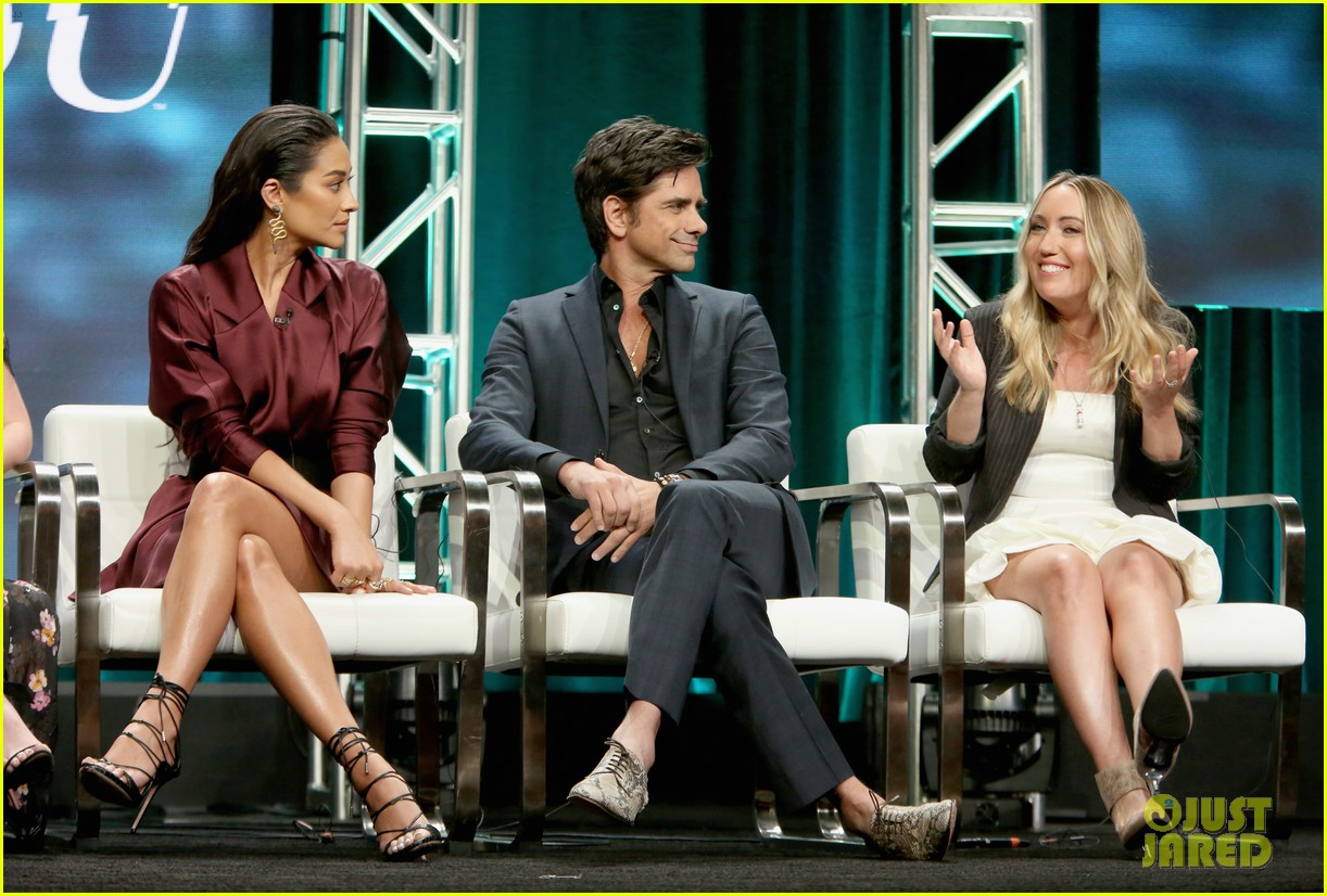 penn badgley shay mitchell tca panel 22