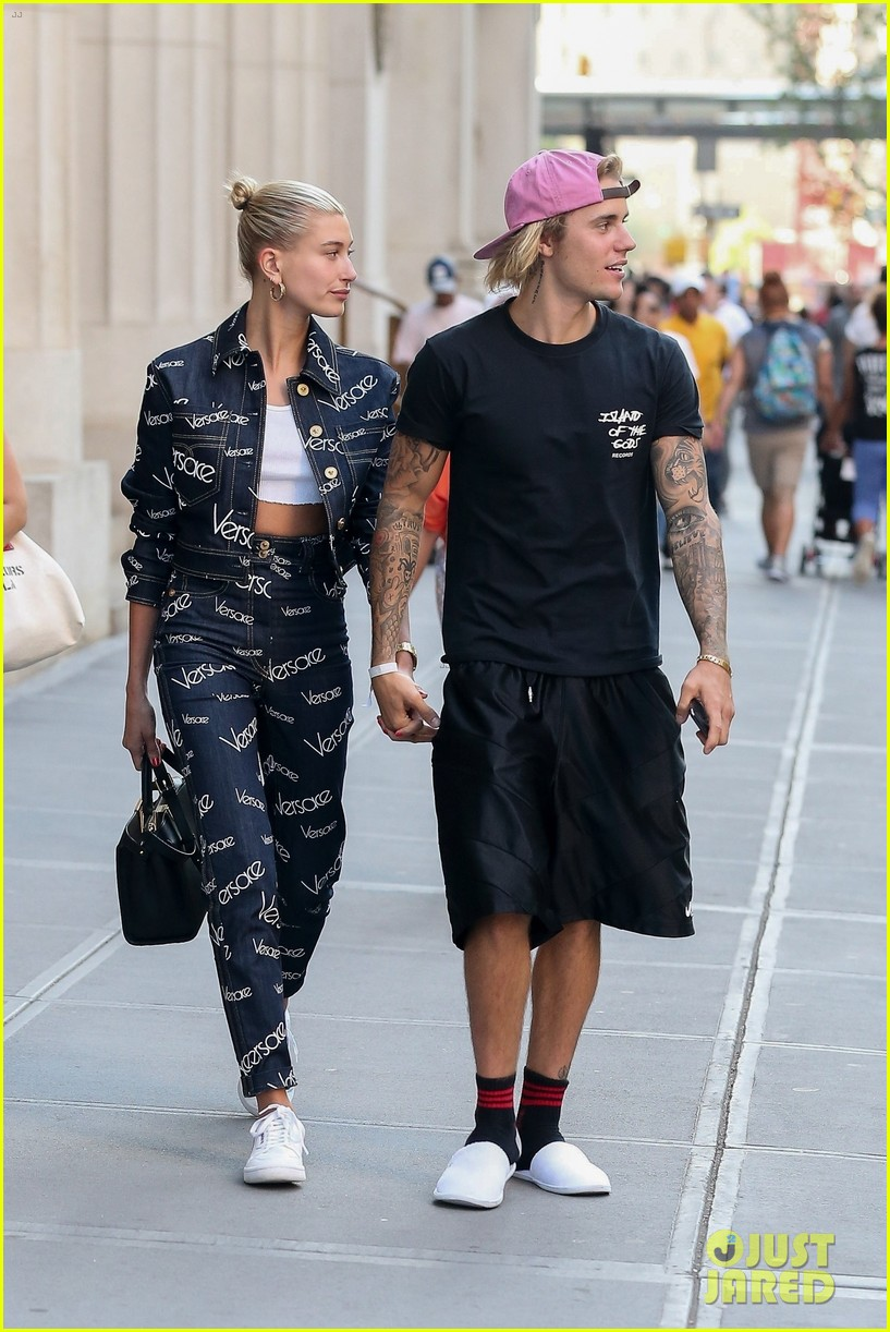 justin bieber hailey baldwin hold hands after dinner date 11