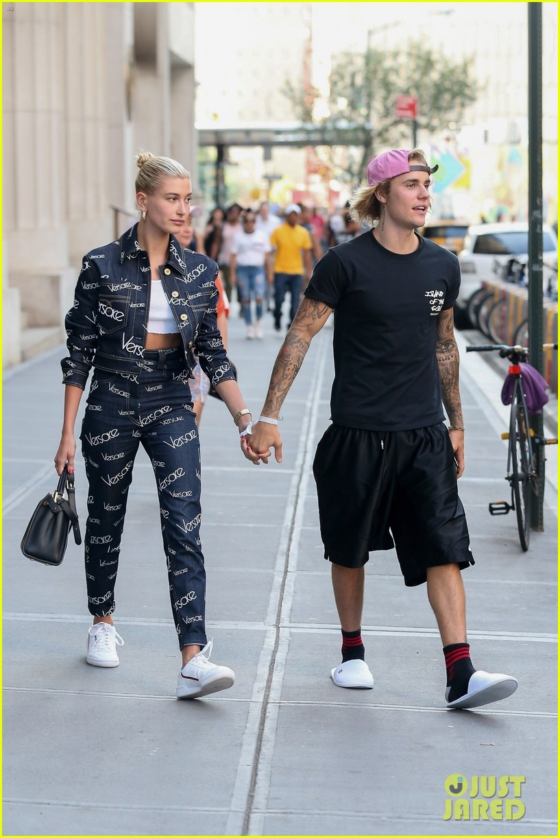 justin bieber hailey baldwin hold hands after dinner date 17