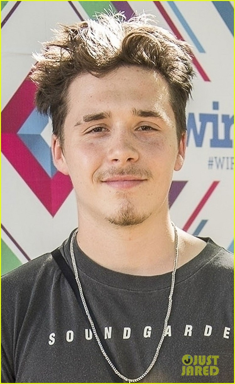 brooklyn beckham hangs out at wireless festival 04