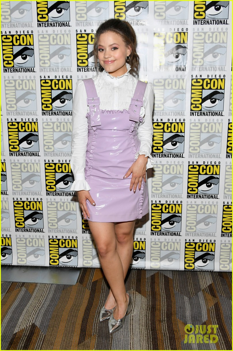 Sarah Jeffery Joins 'Charmed' Cast at Comic-Con!: Photo