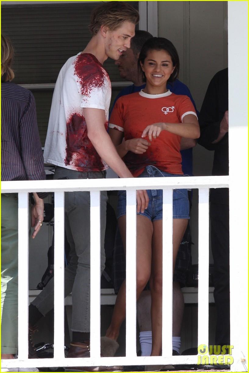 selena gomez austin butler zombie movie 03