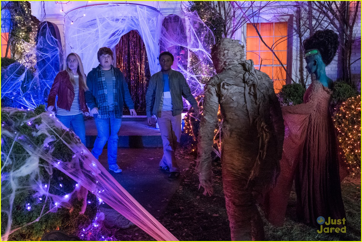 goosebumps 2 haunted halloween trailer pics 01