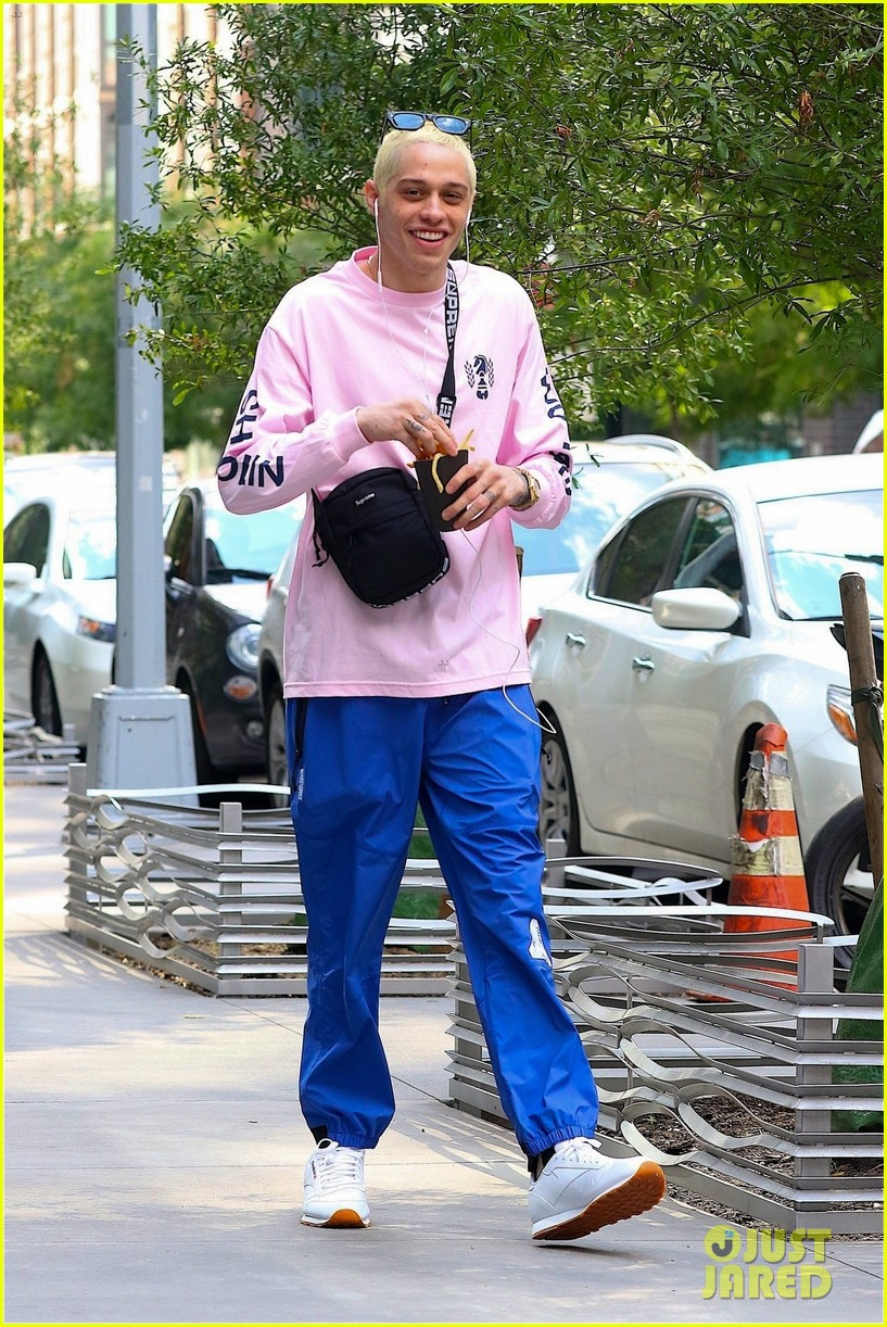 ariana grande and pete davidson step out ahead of her amazon music unboxing prime day concert 03