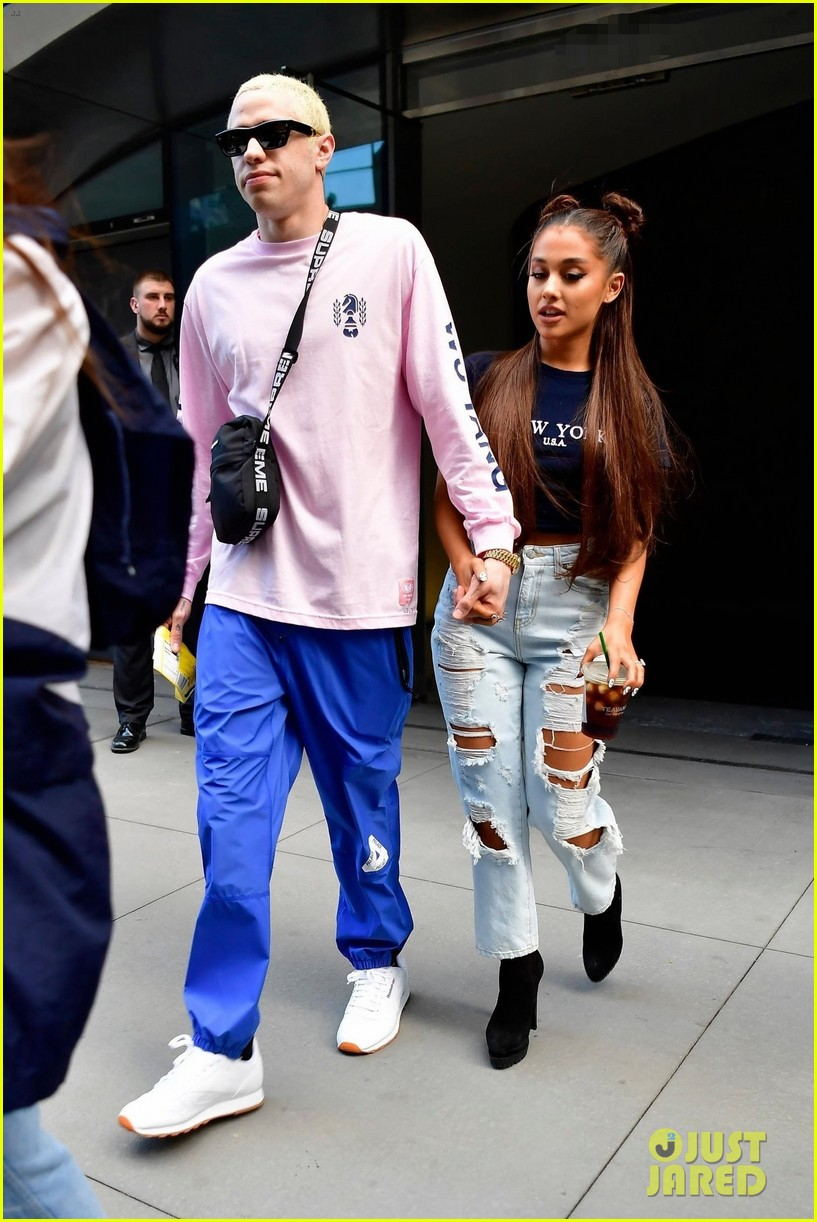 ariana grande and pete davidson step out ahead of her amazon music unboxing prime day concert 06