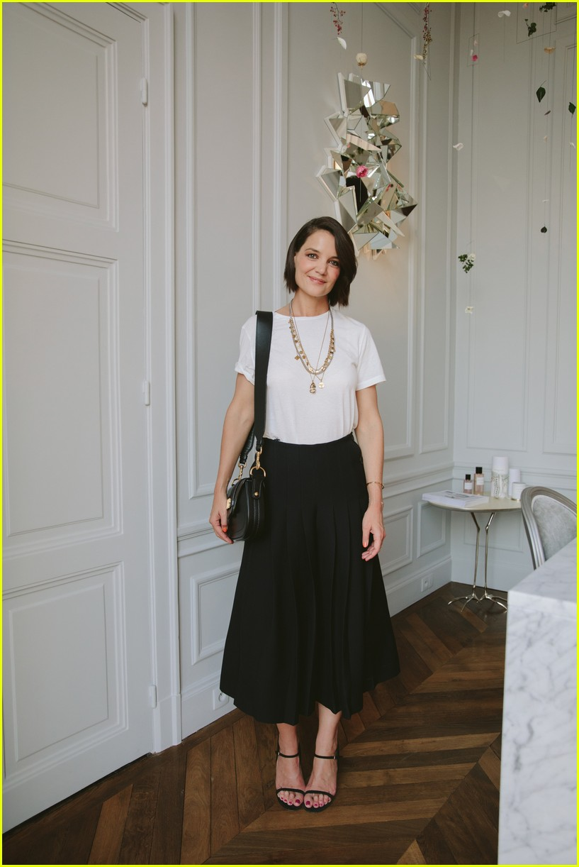 katie holmes kate bosworth and emma robets look chic at christian dior dinner 01
