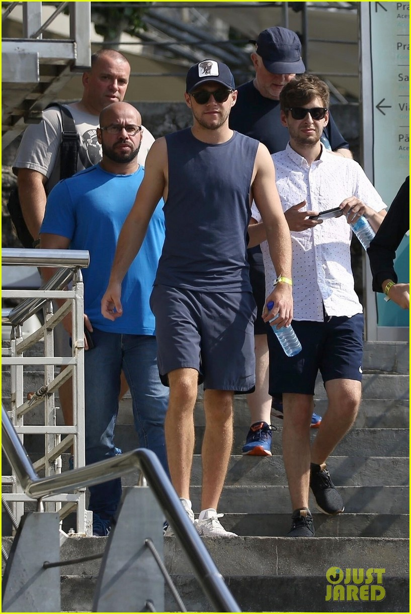 niall horan takes in the views at sugarloaf mountain in rio de janeiro 04