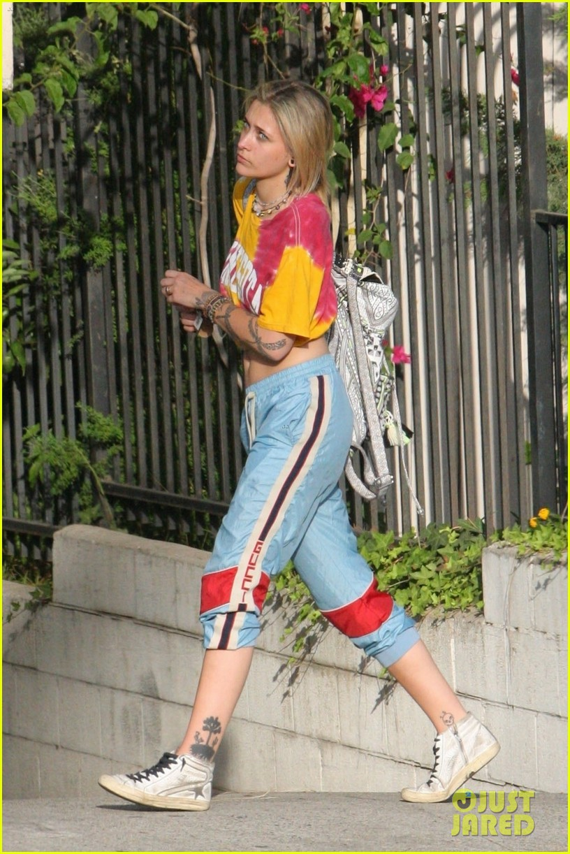 paris jackson debuts new blonde hairdo see the pics 07