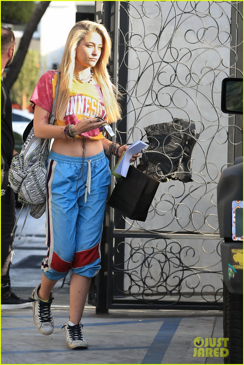 paris jackson debuts new blonde hairdo see the pics 14