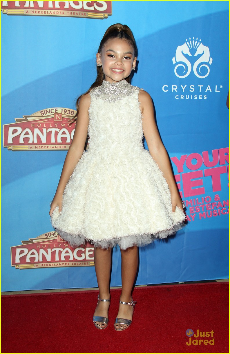 joey king chelsea kane ariana greenblatt pantages theatre 10