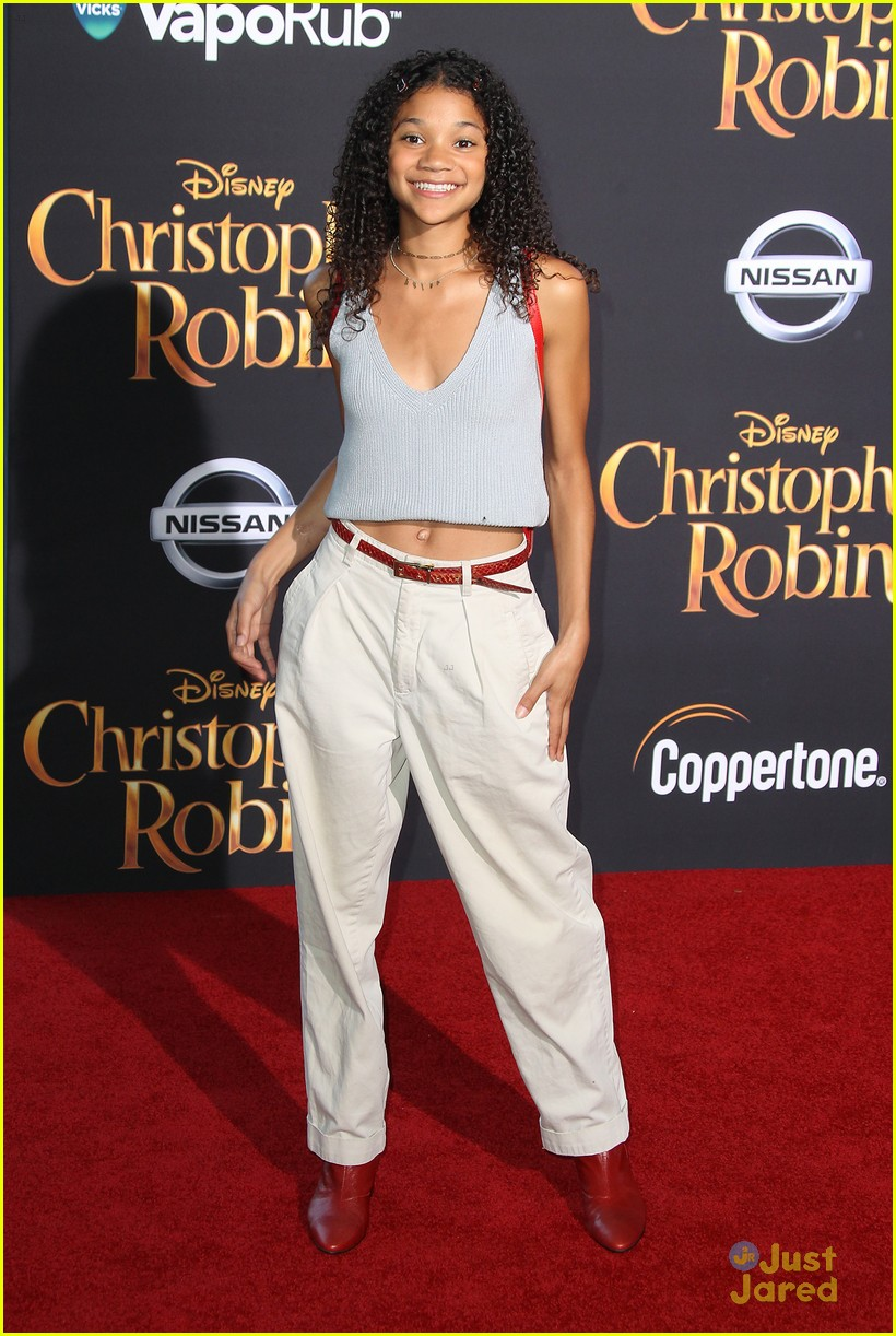 navia robinson choker bow chris robin premiere 04