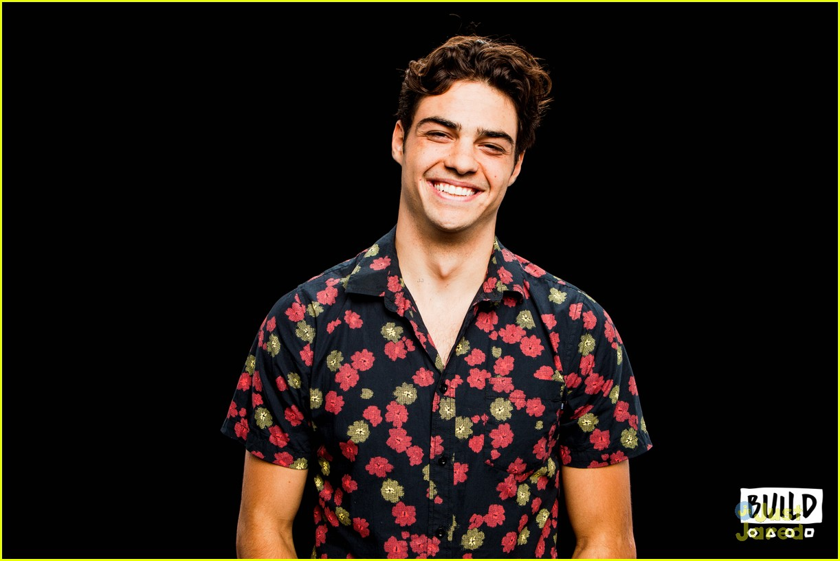noah centineo talks tatbilb iconic kiss 05