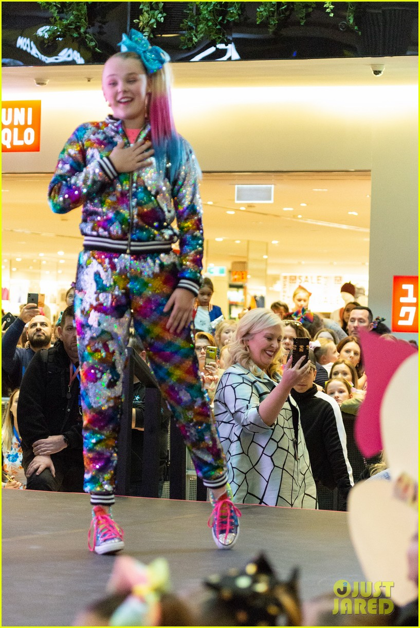 JoJo Siwa Fans Camp Out From 4am to Watch Her Sydney Concert