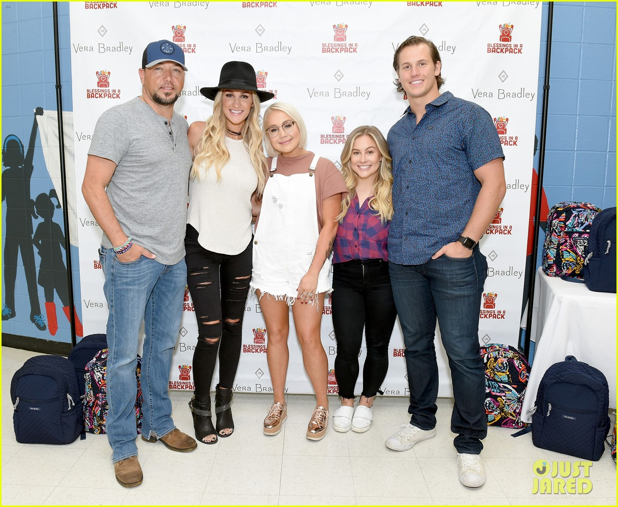 jason aldean and brittany host vera bradley x blessings in a backpack event 02