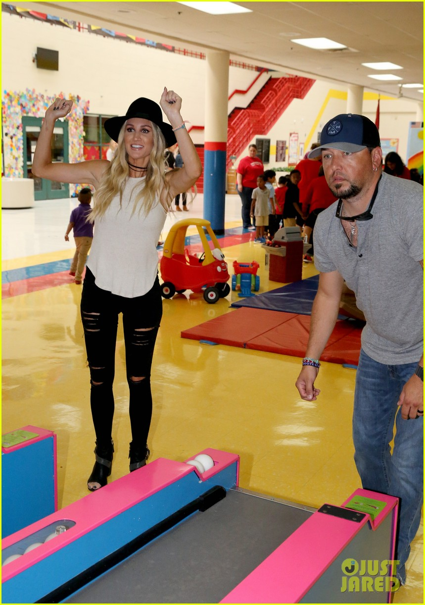jason aldean and brittany host vera bradley x blessings in a backpack event 05