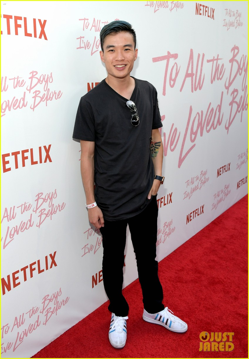 netflixs to all the boys ive loved before cast attends premiere 11