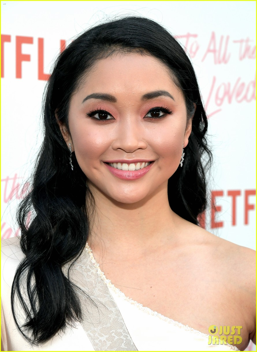 netflixs to all the boys ive loved before cast attends premiere 32