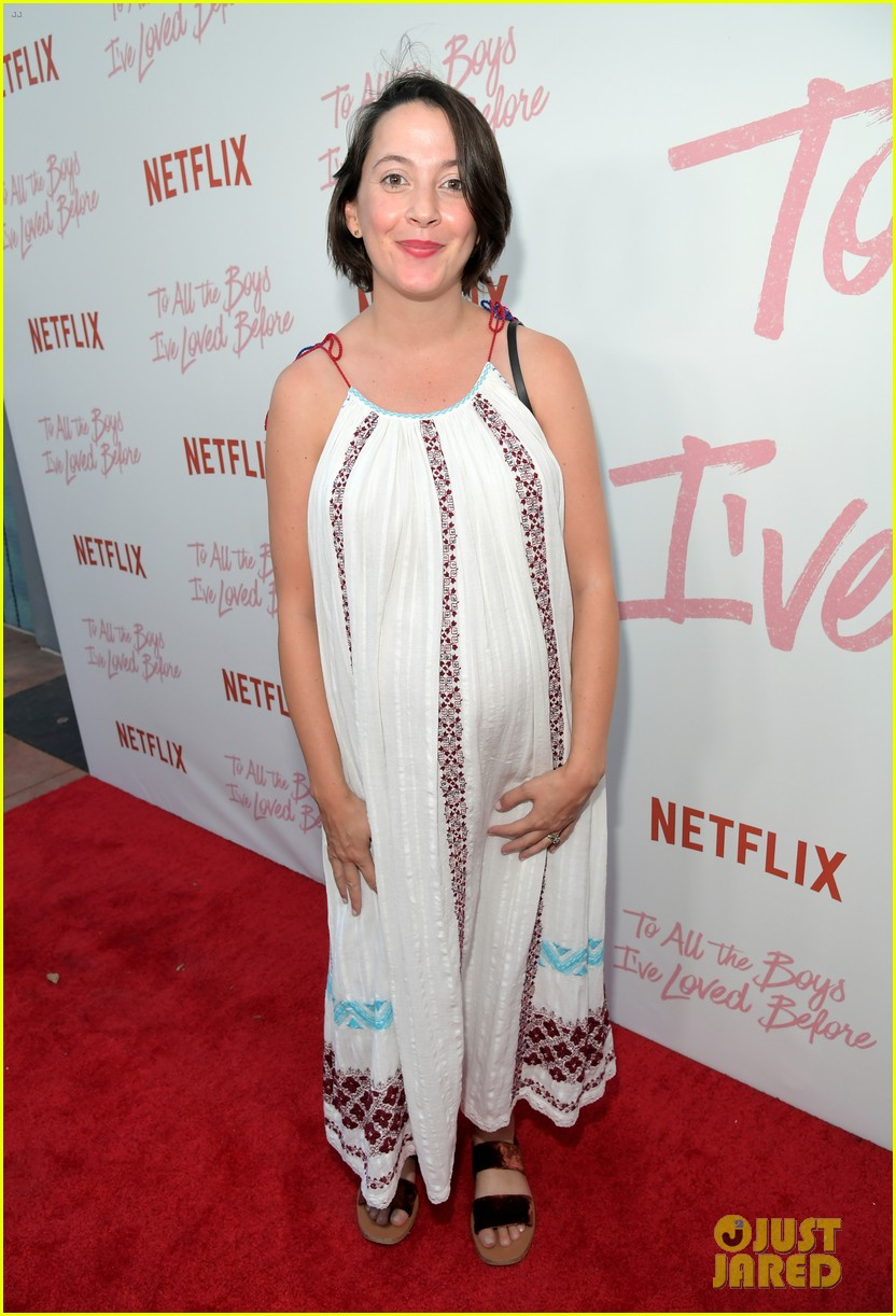 netflixs to all the boys ive loved before cast attends premiere 41