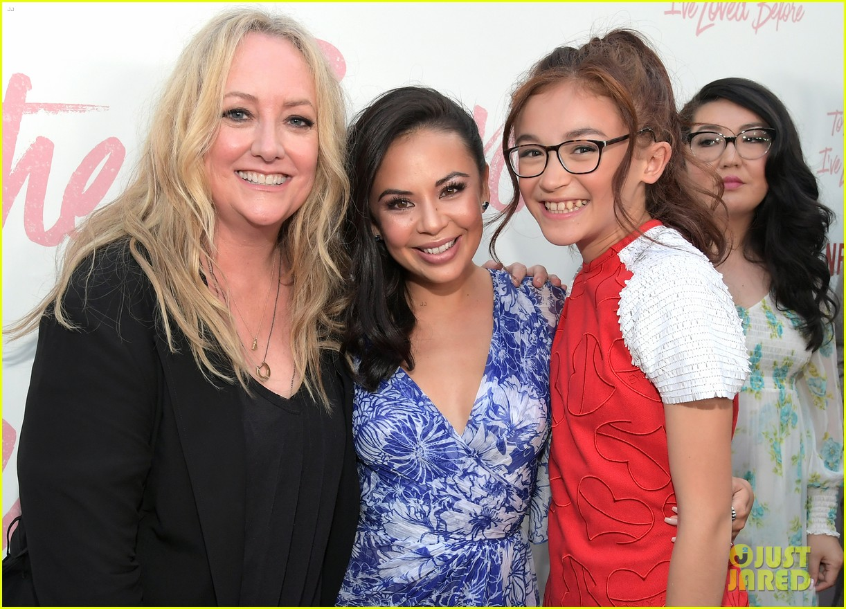 netflixs to all the boys ive loved before cast attends premiere 43