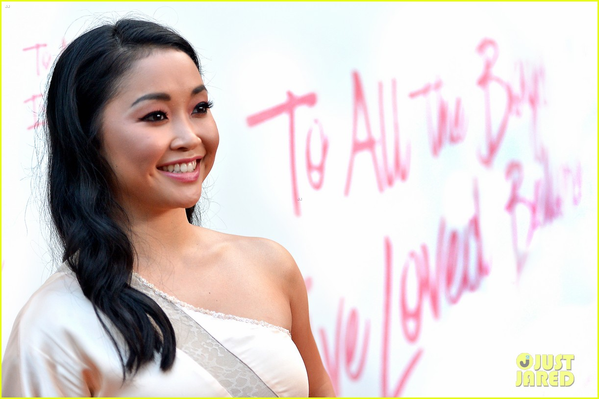 netflixs to all the boys ive loved before cast attends premiere 46
