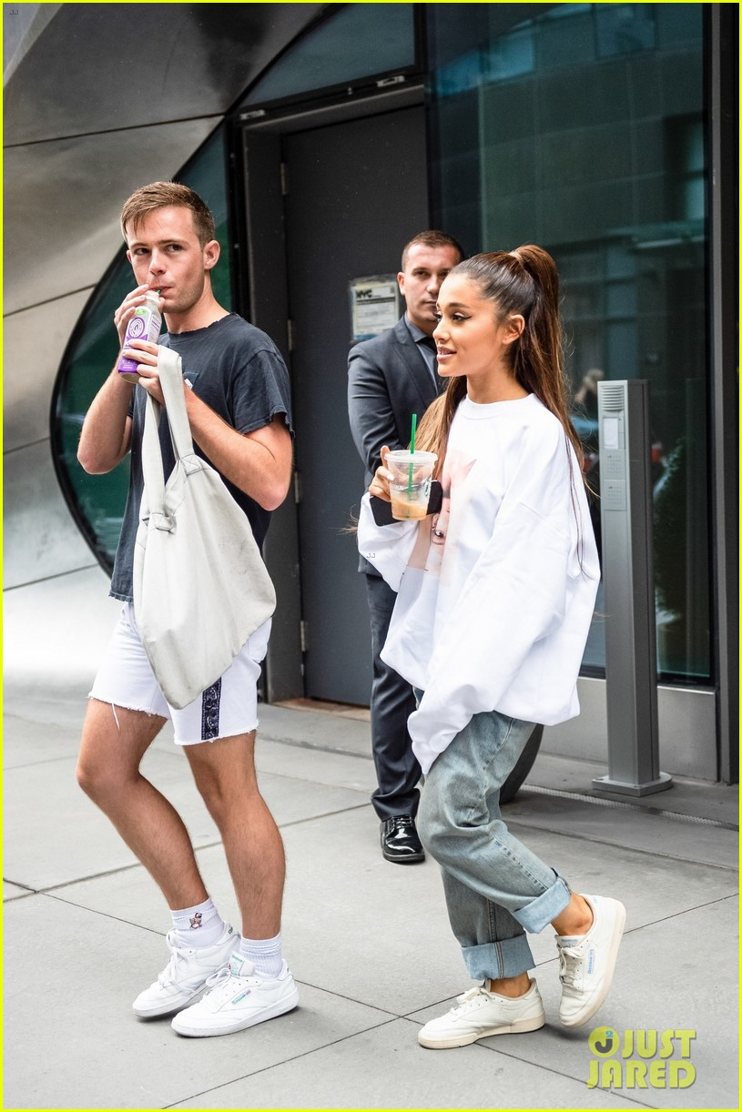 Ariana Grande Is Already Planning Her Wedding To Pete Davidson