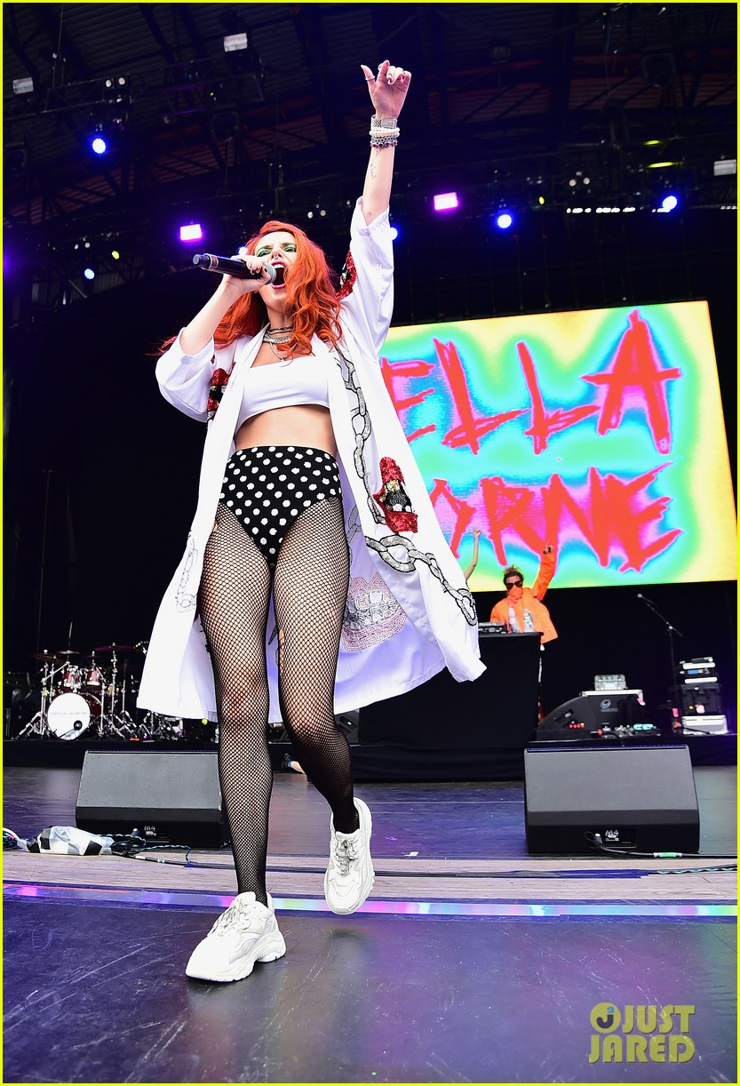 bella thorne brings filthy fangs records to billboard hot 100 03