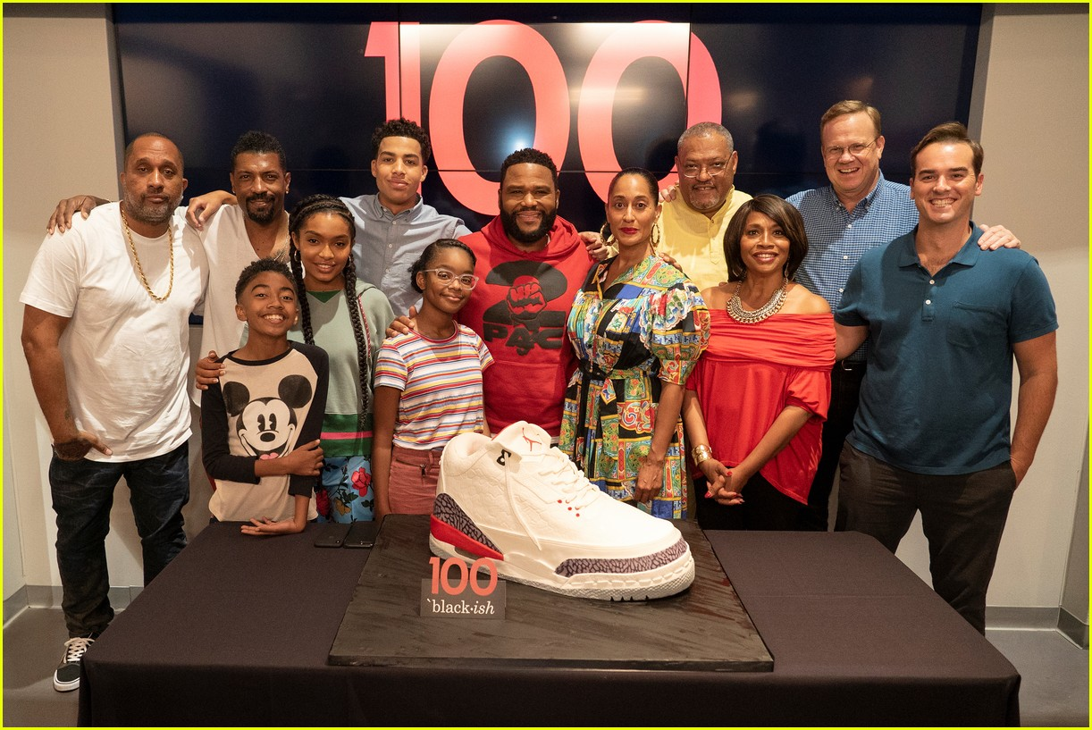 anthony anderson and tracee ellis ross join black ish cast at 100th episode celebration 04