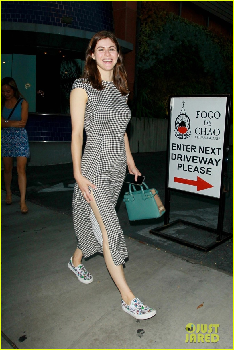 alexandra daddario smiles for the camera while out with friends 05