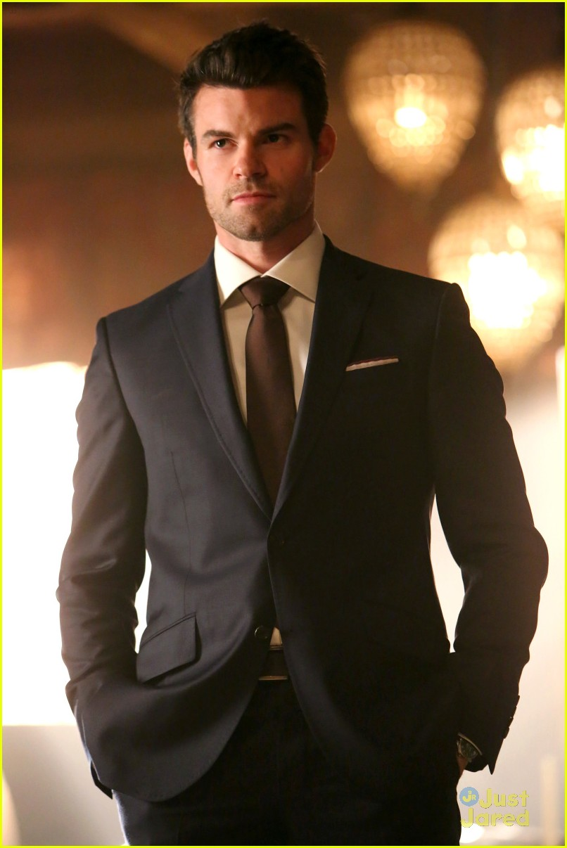daniel gillies took elijahs suits originals 02