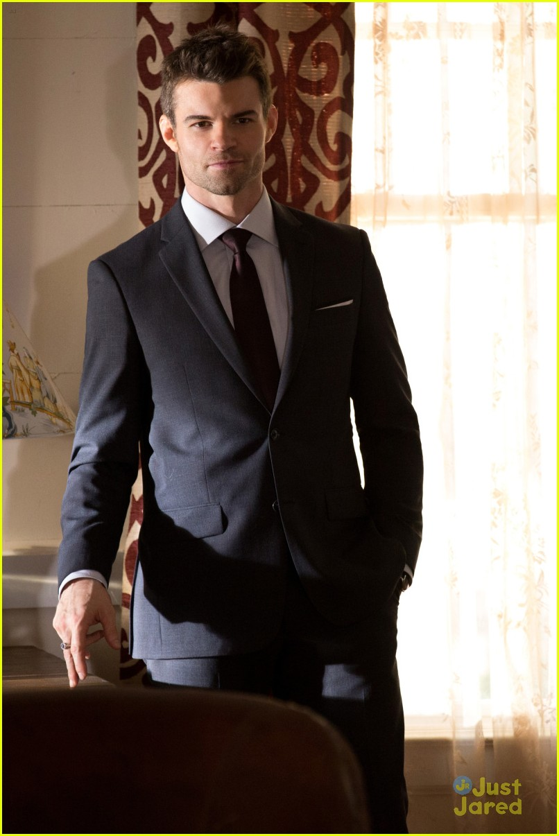 daniel gillies took elijahs suits originals 04
