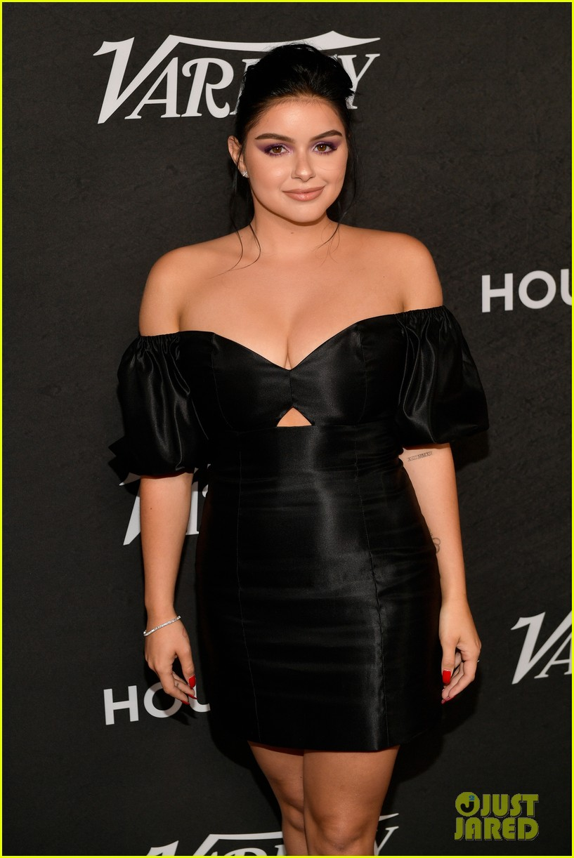 sarah hyland ariel winter step out for variety power of young hollywood event 10