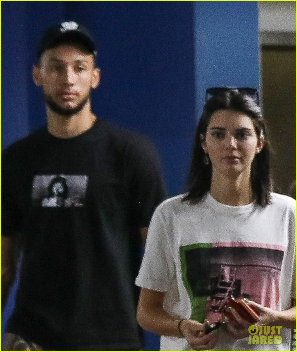 kendall jenner ben simmons stock up on games 04