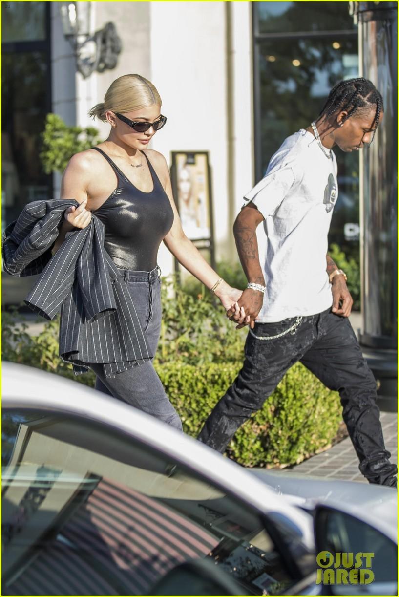 Kylie jenner dating zac mann
