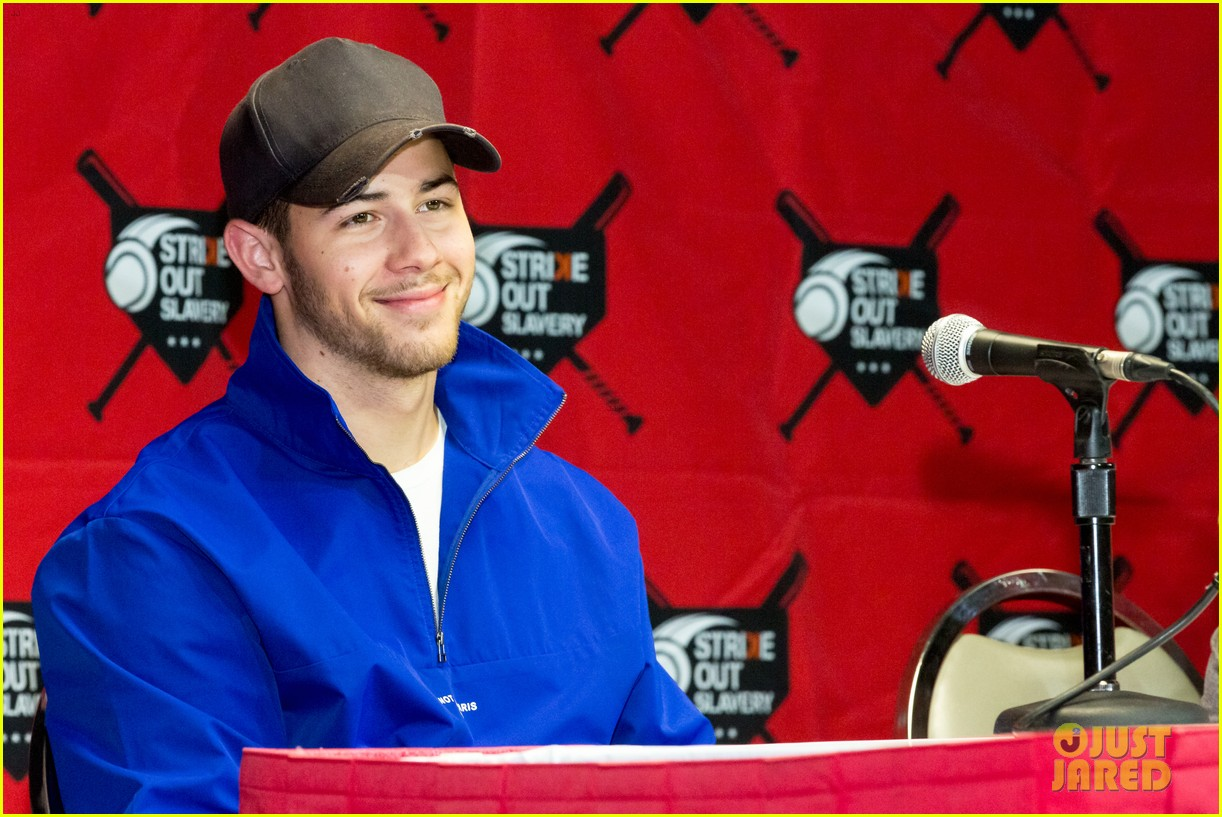 nick jonas helps strike out slavery at press conference ahead of concert 05