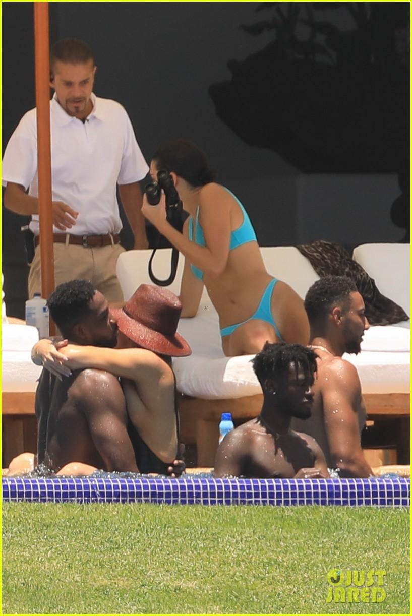 kendall jenner khloe kardashian vacation with boyfriends 15