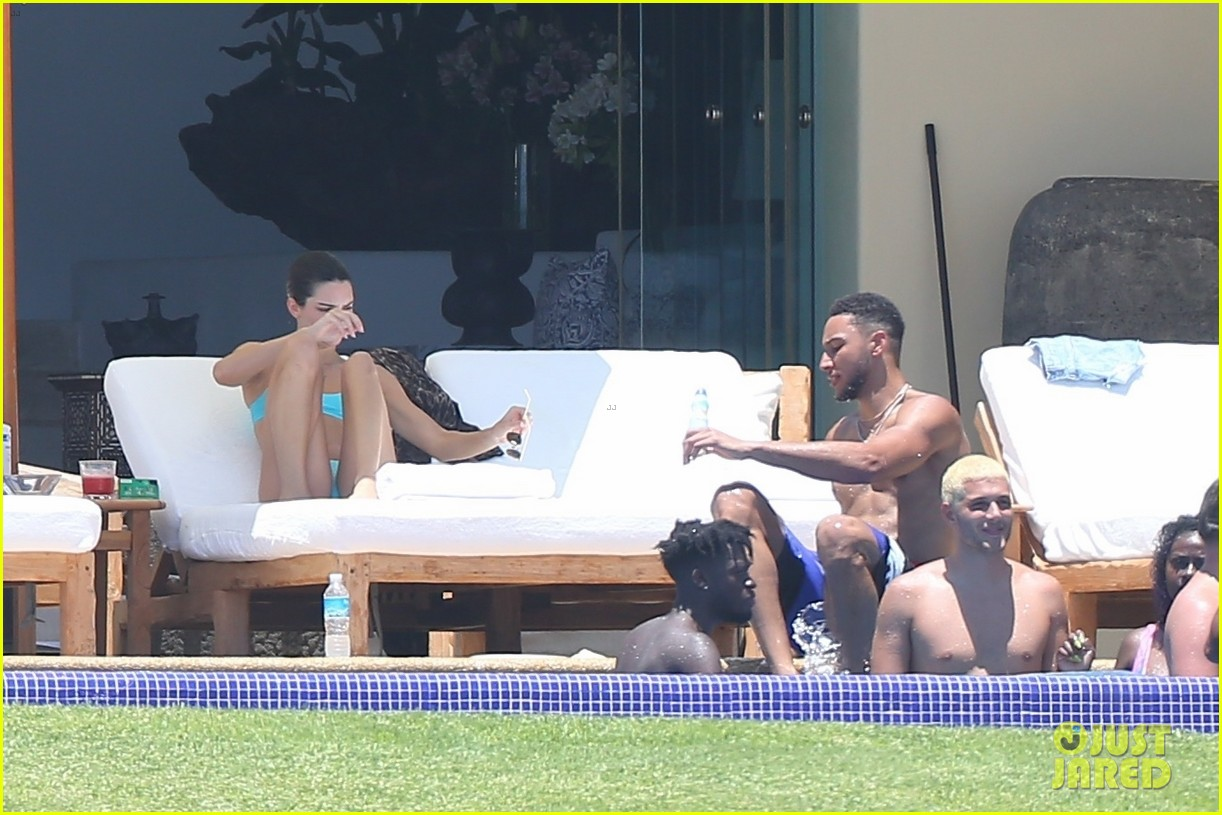 kendall jenner khloe kardashian vacation with boyfriends 31