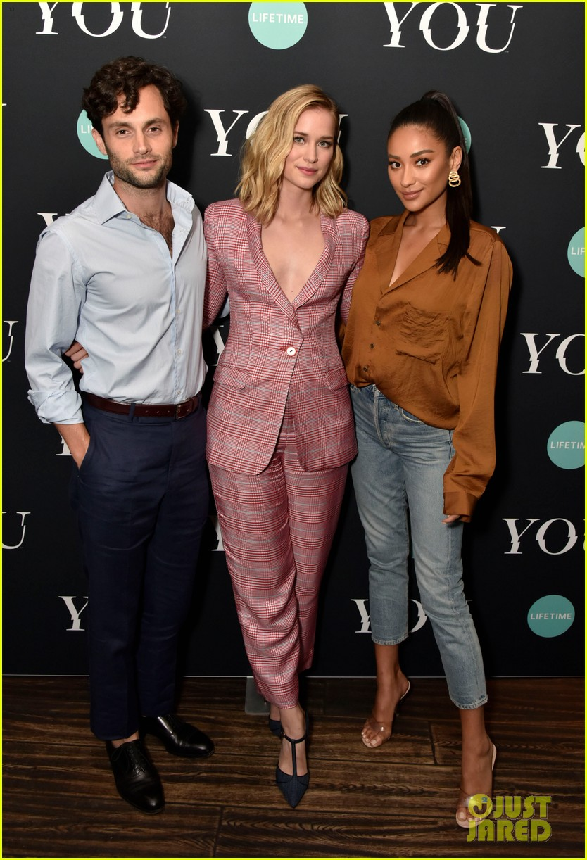penn badgley elizabeth lail and shay mitchell look stylish at you series premiere 10