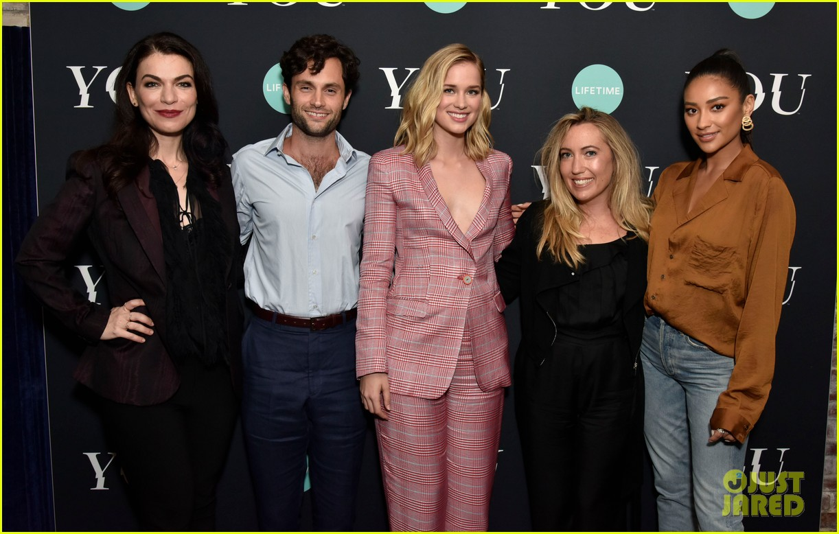 penn badgley elizabeth lail and shay mitchell look stylish at you series premiere 14