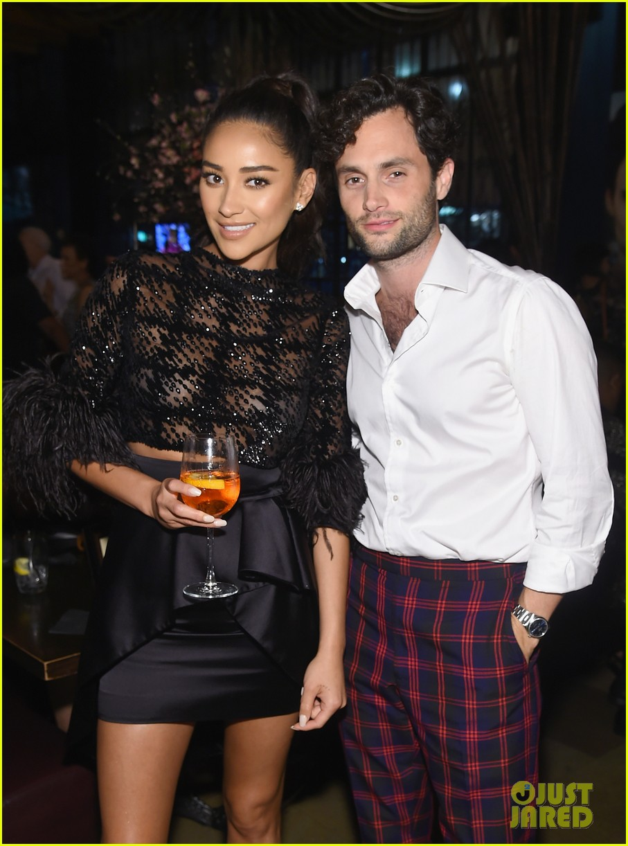 penn badgley elizabeth lail and shay mitchell look stylish at you series premiere 34