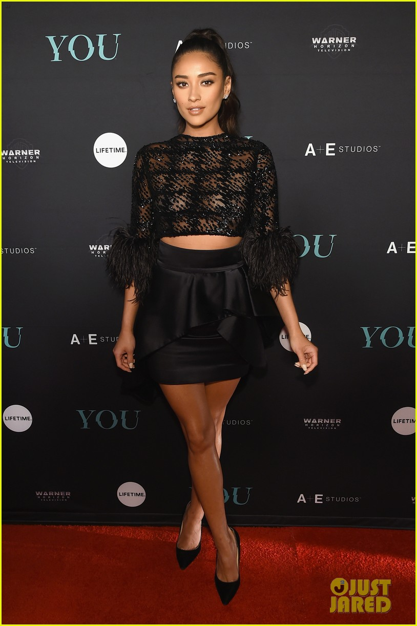 penn badgley elizabeth lail and shay mitchell look stylish at you series premiere 53