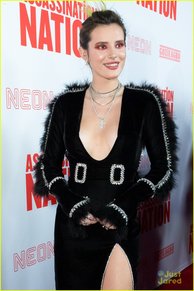 bella thorne mod sun kisses nation premiere 16