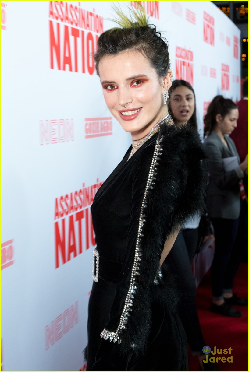 bella thorne mod sun kisses nation premiere 18