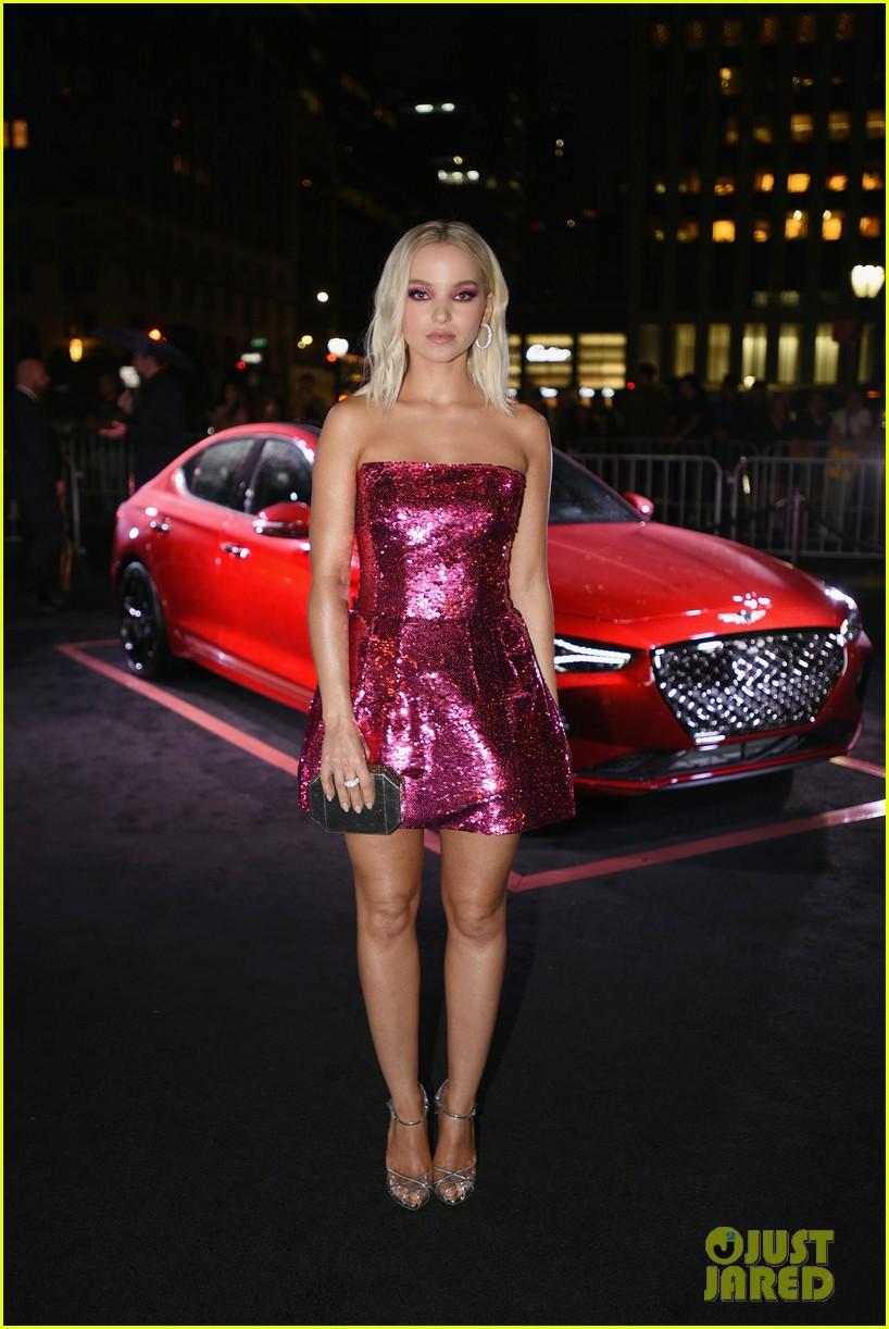 Dove Cameron Amp Sofia Carson Are Pretty In Pink At Harper S