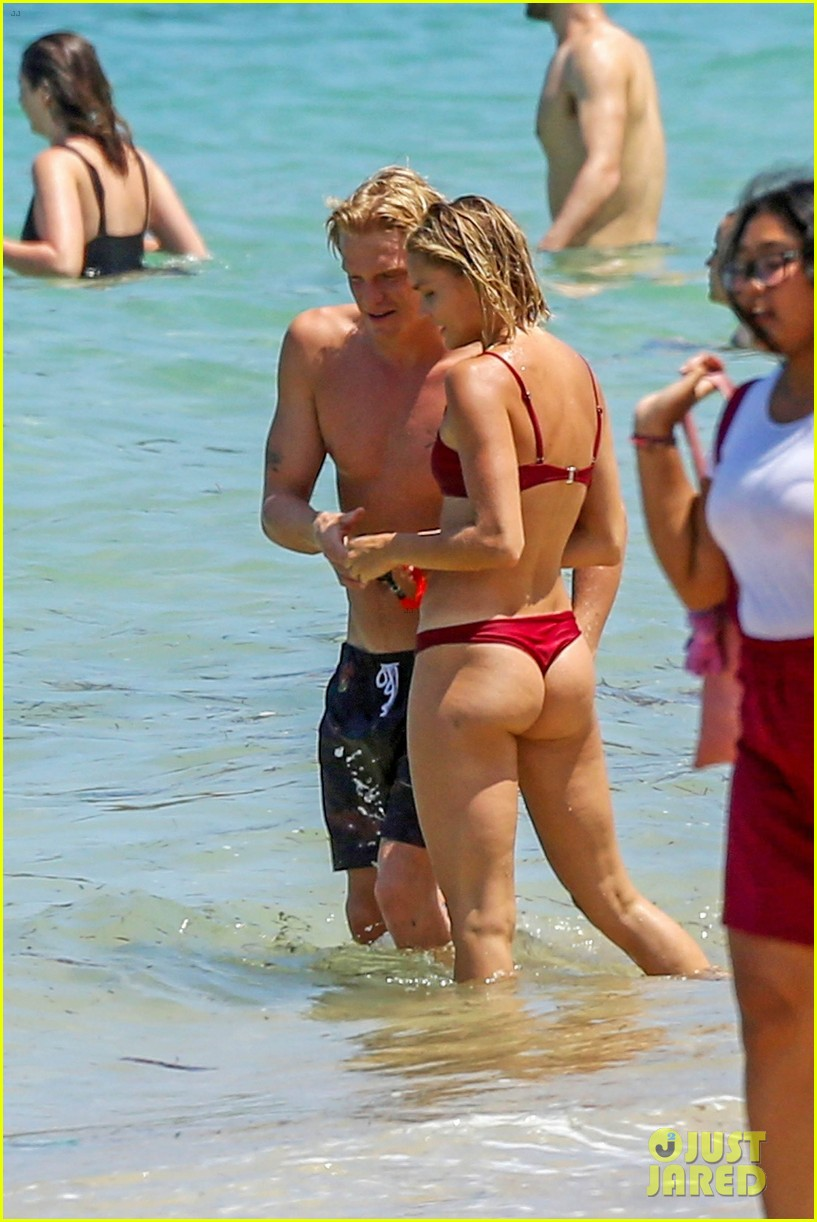 cody simpson hits the beach with girlfriend clair wuestenberg 31