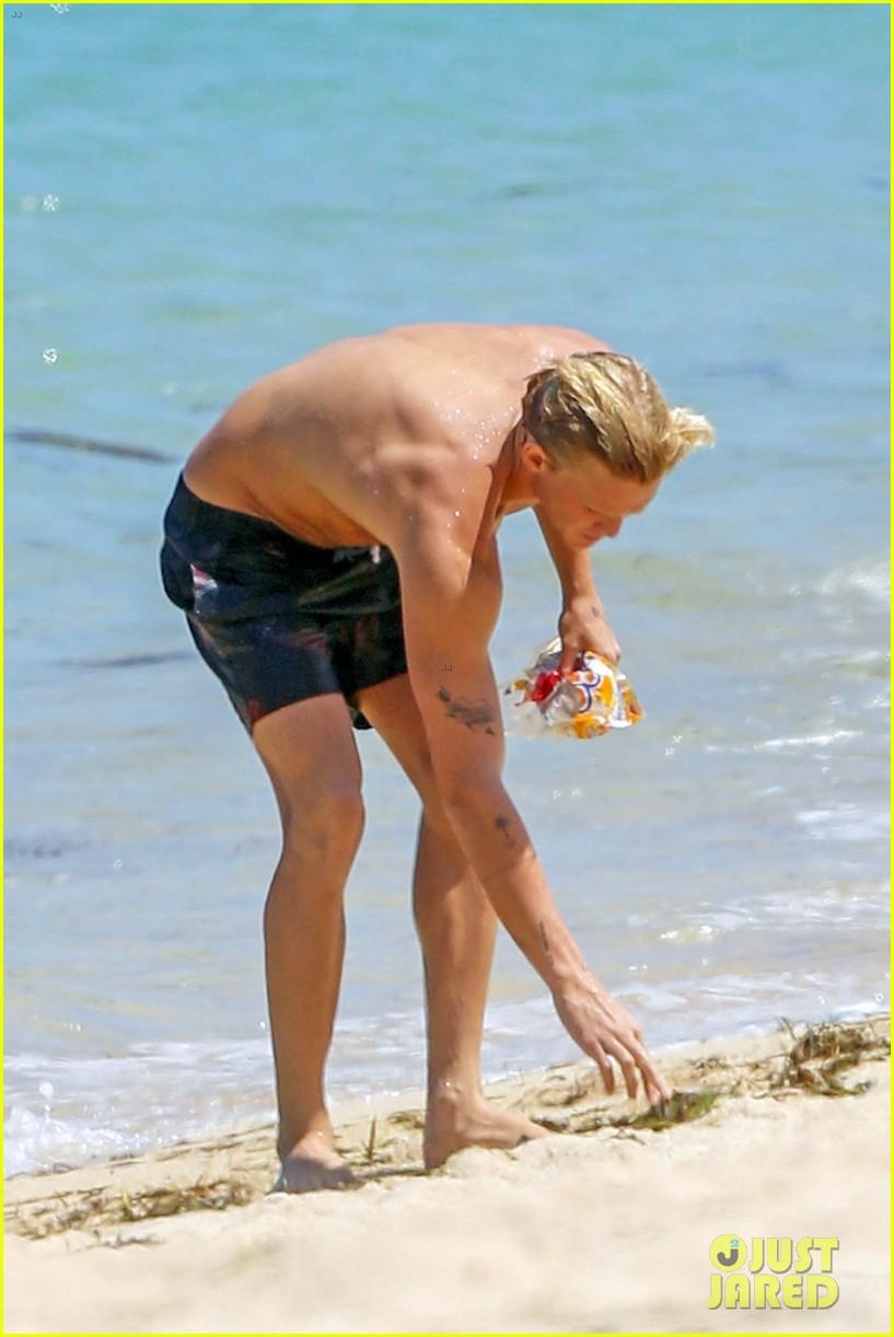 cody simpson hits the beach with girlfriend clair wuestenberg 40
